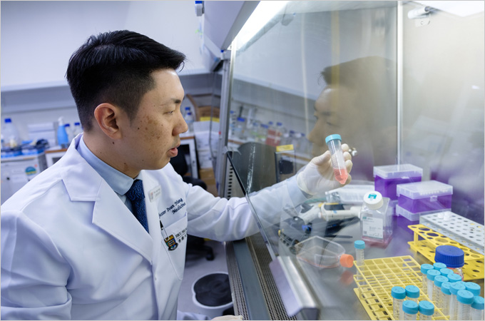 HKU's nasal spray COVID-19 vaccine expected to enter phase one clinical trial